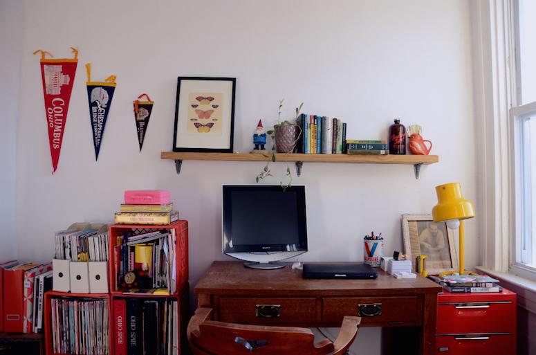 1-libby-zay-studio-desk