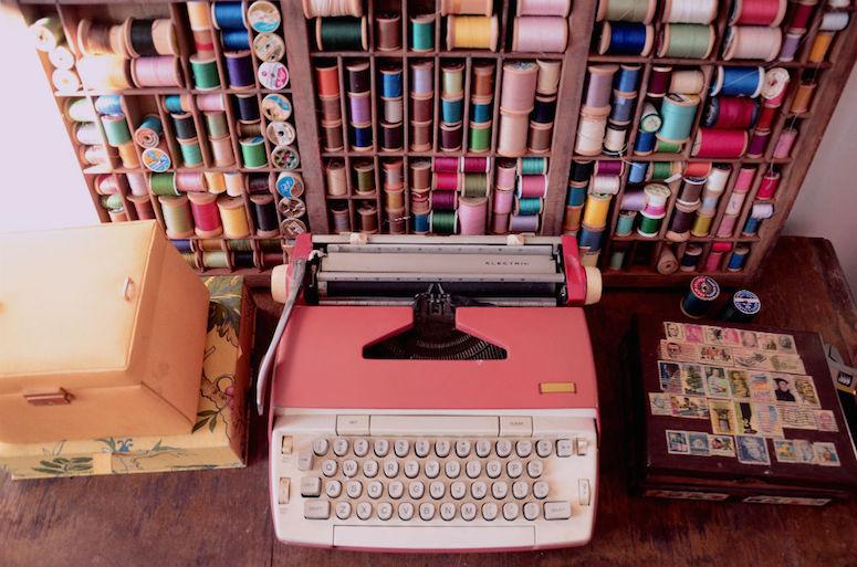 6-libby-zay-studio-typewriter