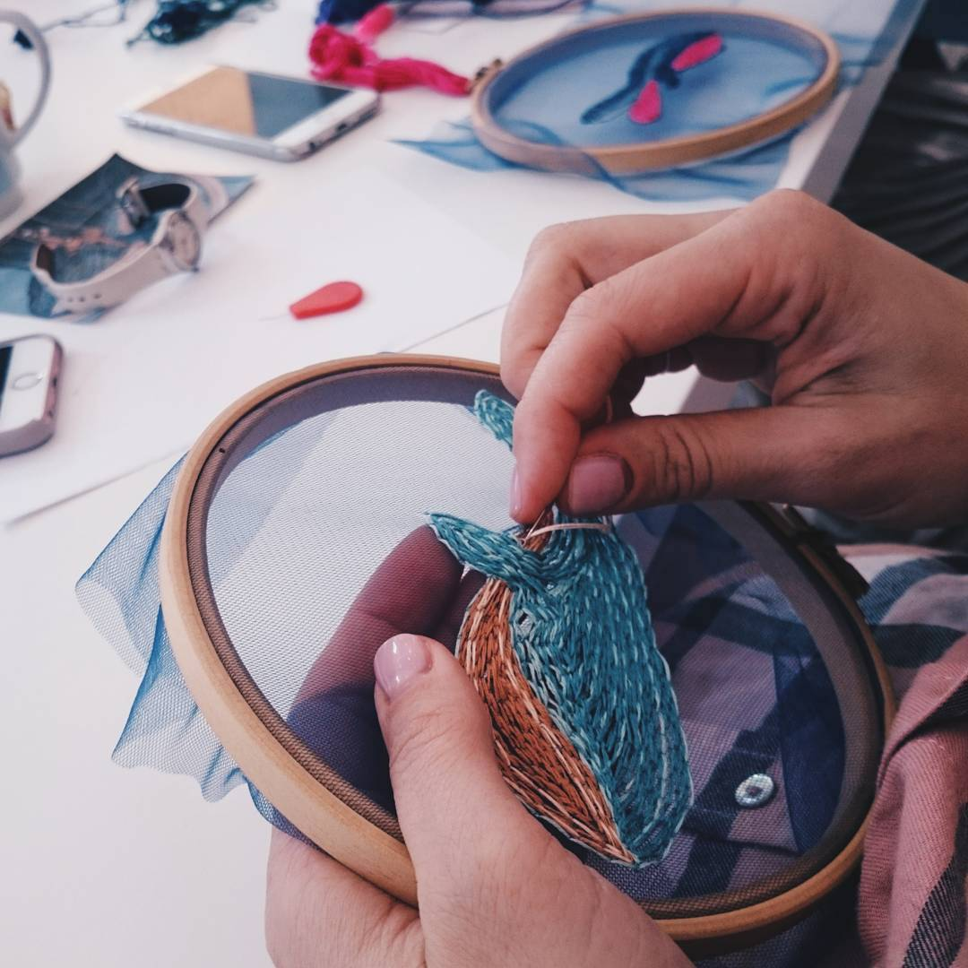 Fish embroidery on tulle turns an hoop into a