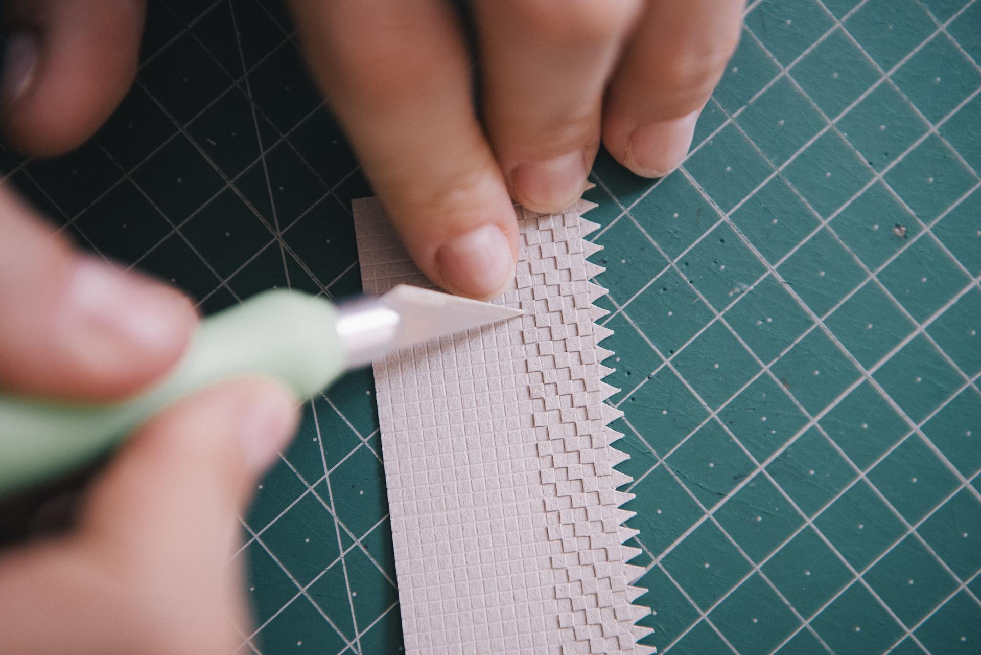 How to make a paper plant by Raya Sader