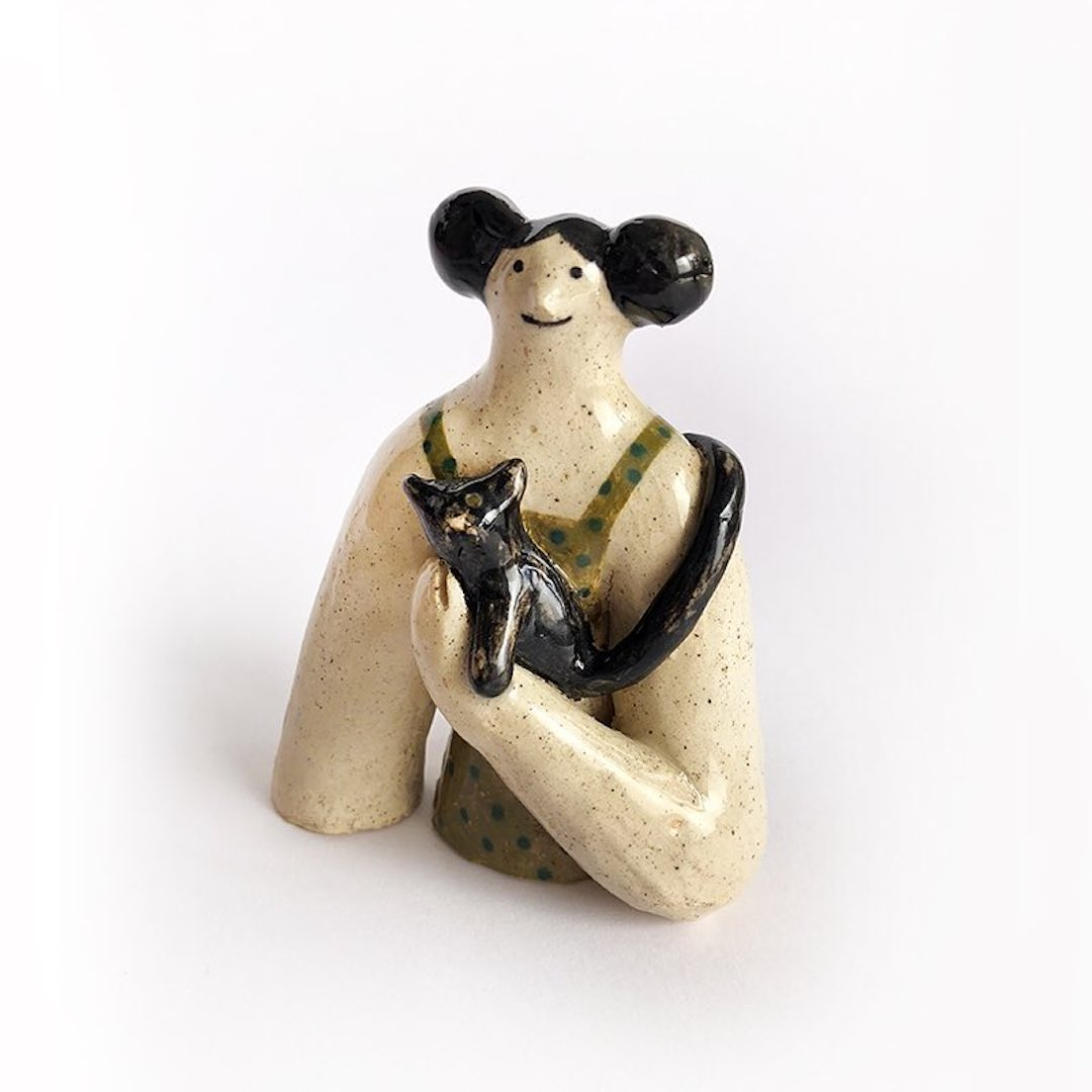 Illustrated ceramic sculpture by Malota