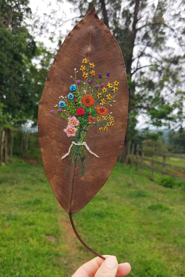 Hand embroidery on leaf by Solange Nunes