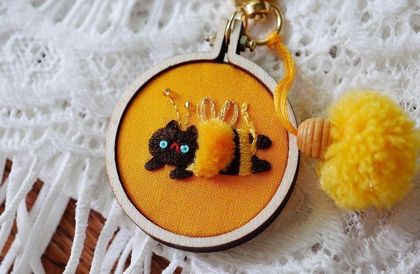 Cat embroidery by Nyang Stitch