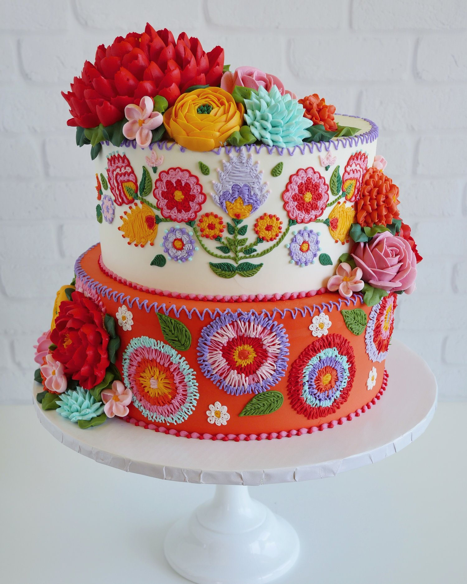 Embroidered cakes by Leslie Vigil