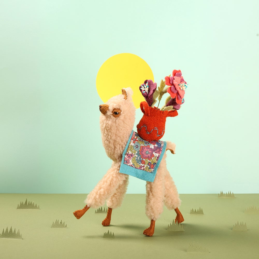 These Adorable Alpaca Dolls Carry Beautiful Blooms on Their Backs