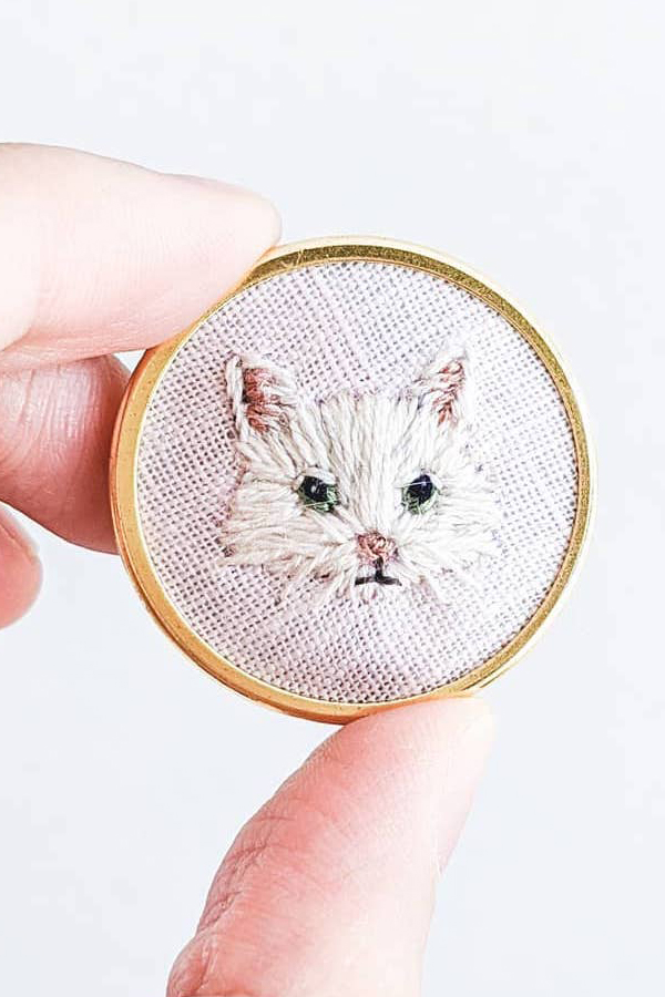Hand embroidered cat pin