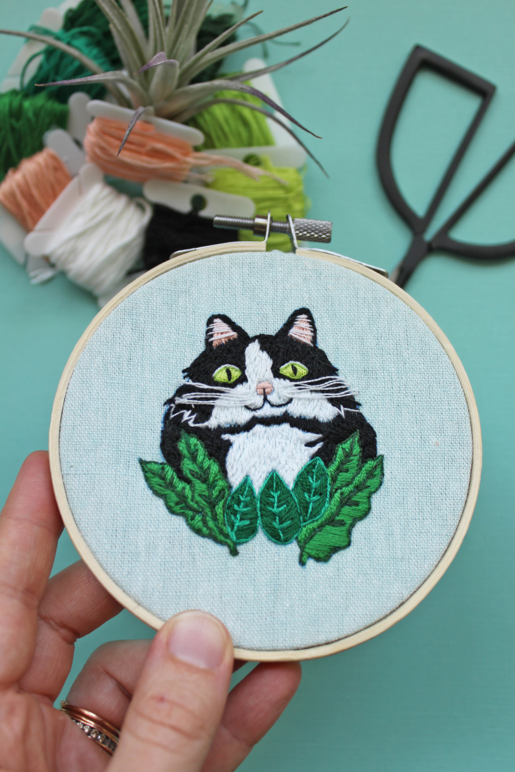 Cat downloadable hand embroidery patternCat downloadable hand embroidery pattern
