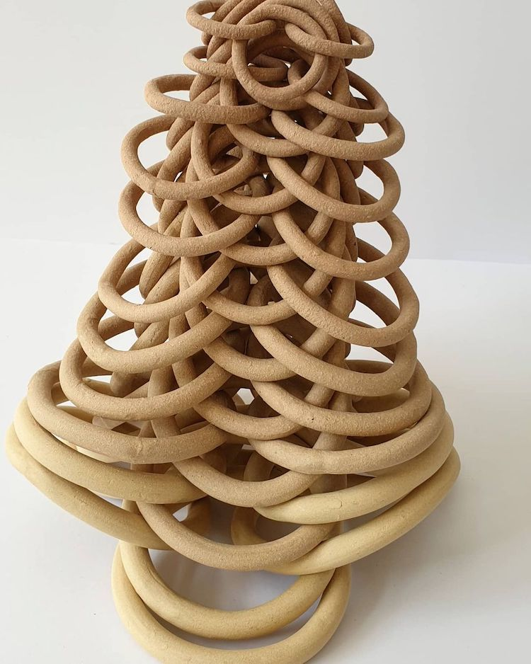 Ceramic sculpture by Cecil Kemperink